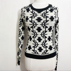 PRINCESS Vera Wang striking black & white graphic print sweater acrylic blend S